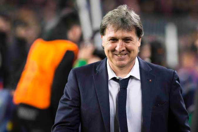 El argentino Gerardo Martino anunció que este sábado tras el último juego de la Liga de España ante el Atlético de Madrid, dejo de ser el entrenador del club Barcelona.