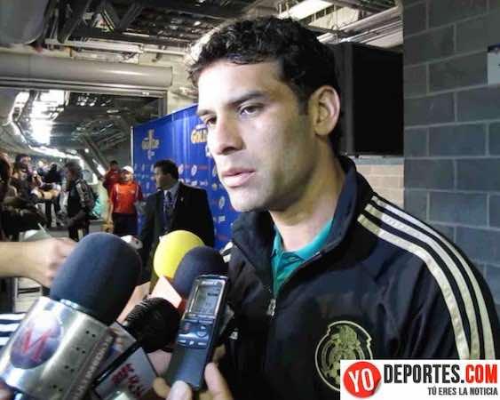 El defensa Rafael Márquez dejó en claro que la polémica que tuvo hace unos meses con Cuauhtémoc Blanco se hizo más grande de lo que fue y negó tener problemas con el delantero, quien es más su ídolo que amigo.