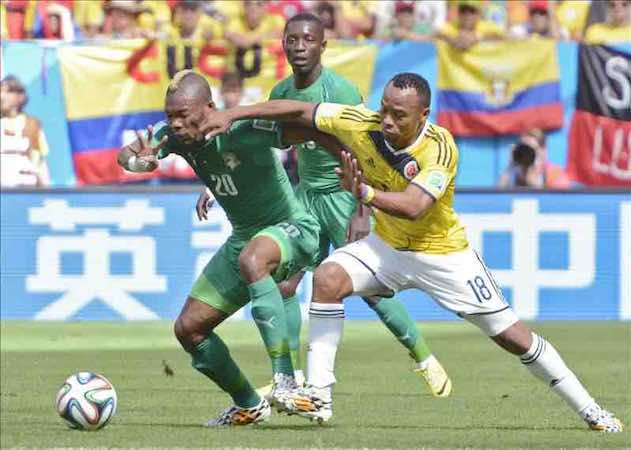 Marfileño Serey jugó ante Colombia dos horas después de conocer muerte padre. EFE