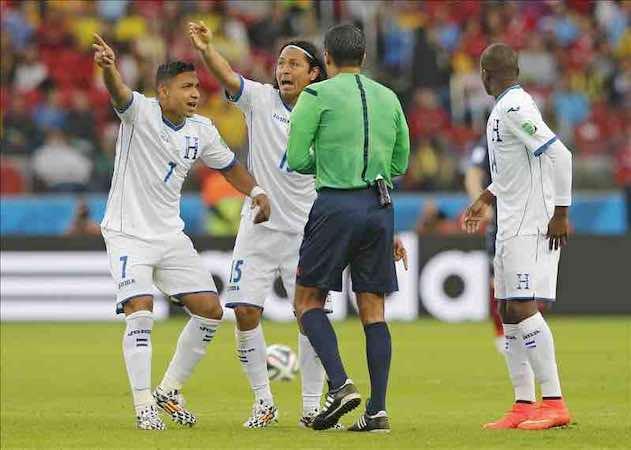 Francia-Honduras, primer partido en el que se usa la tecnología de gol. EFE