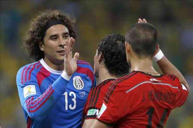 Fred felicita a Ochoa por cuatro milagros, Scolari elogia al Tri; Pelé sufrió. EFE