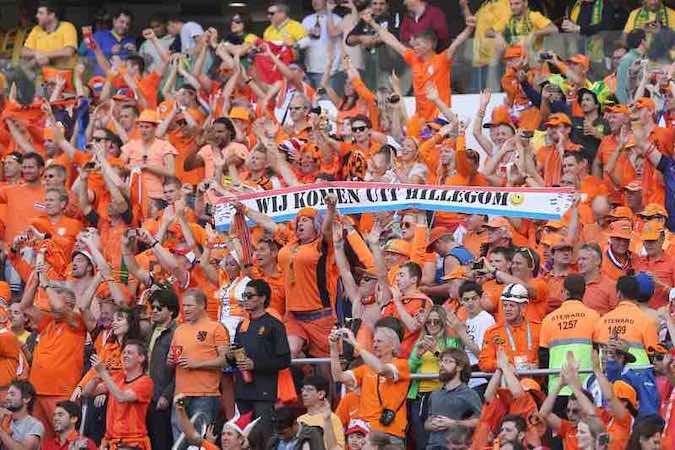 Holanda gana 3-2 y se acerca a octavos; Australia, virtual eliminada. EFE