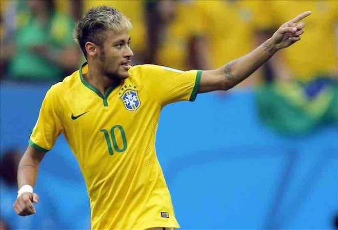 Neymar pasa de largo a Valencia, Benzema, Van Persie, Robben y Müller. EFE