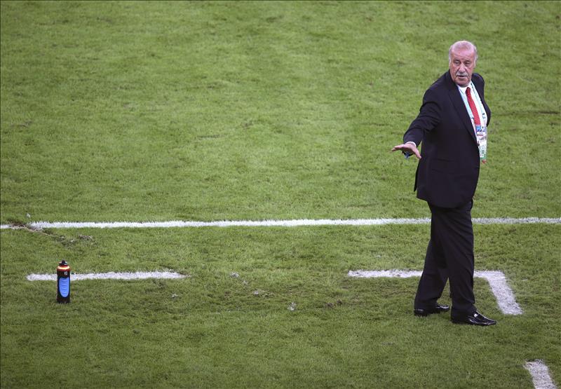 Del Bosque reconoce la inferioridad de España y evita hablar de decisiones futuras. EFE