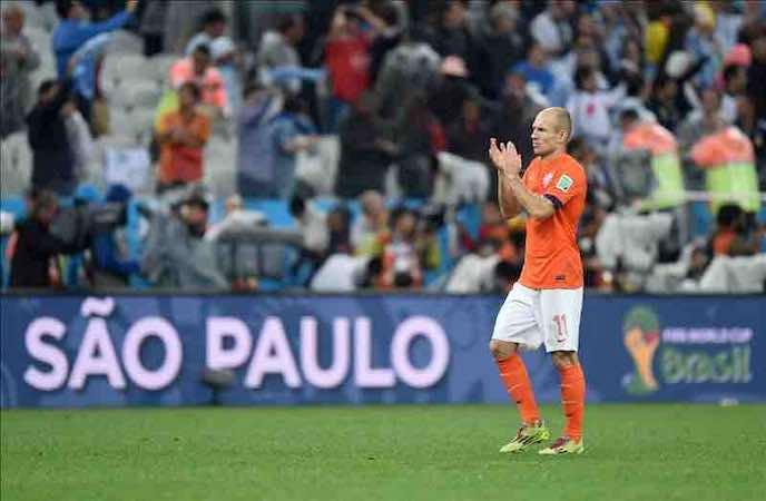 """Robben, """"decepcionado con la derrota, pero salimos con la cabeza erguida"""". EFE"""