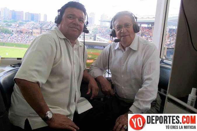 Fernando Valenzuela y Jaime Jarrin, locutores de los Dodgers de Los Ángeles en una visita al Wrigley Field.