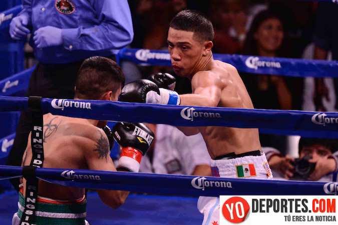 Jose Felix Quezada promesa del boxeo de Chicago, firmó contrato con Warriors Boxing.