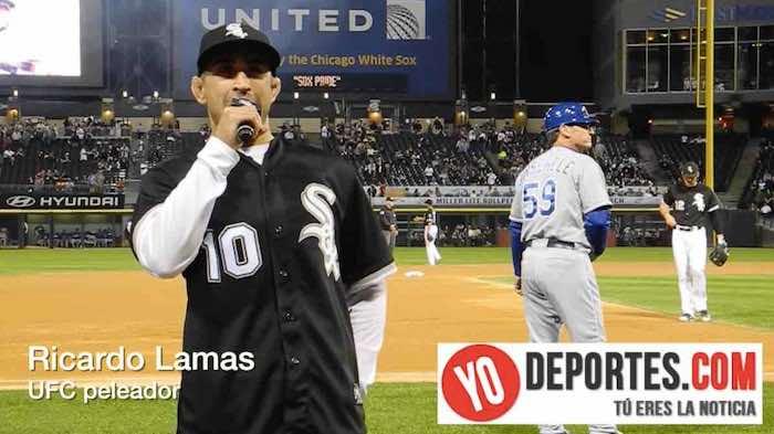 Ricardo Lamas canta el Playball! en Chicago White Sox