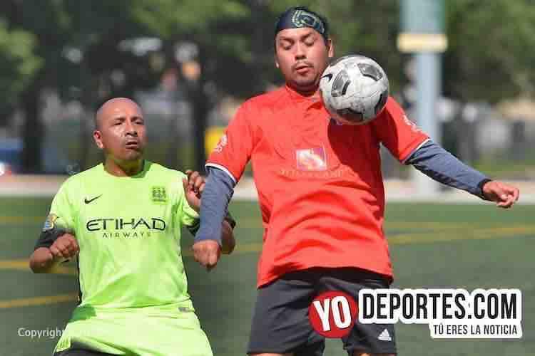 Caluroso empate entre Crónica Roja y Cuenca FC en Liga Internacional Azuay