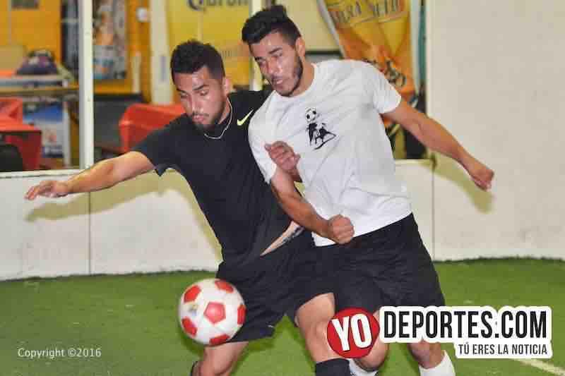Amigos y rivales Athletic Español gana final al Sucios United en Chitown Futbol