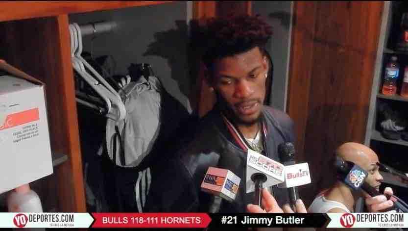 Jimmy Butler resucita a los Bulls con 52 puntos contra los Hornets