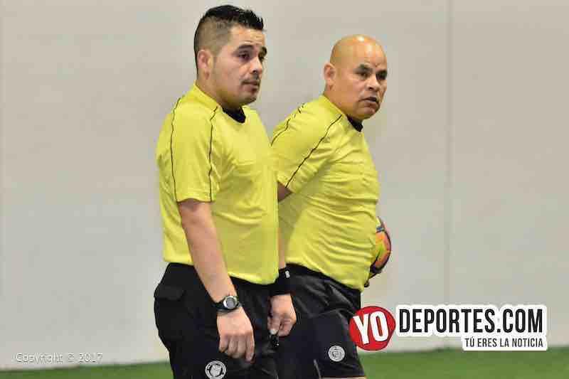 Arbitros Antonio Lopez y Diego Rivera arbitros de la final entre Deportivo DF y CD Vagos en Mundi Soccer League.