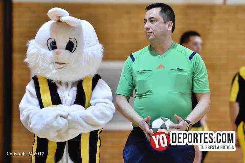 """Árbitro Gabriel Lencina en la final serie """"B"""" Liga de Cuenca vs. La Católica de la Liga Club Deportivo Checa"""