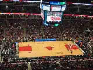 Los 76ers rompen maleficio y derrotan a los Bulls que buscan los playoffs