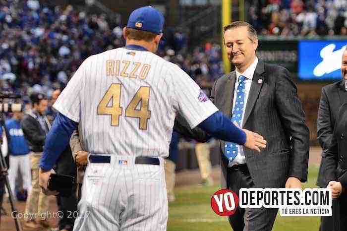 Anthony Rizzo-Tom Riketts-Chicago Cubs ring ceremony