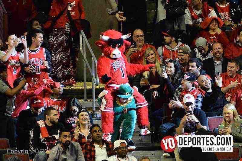 Benny the Bull-Chicago Bulls-Boston-Celtics-NBA-playoffs
