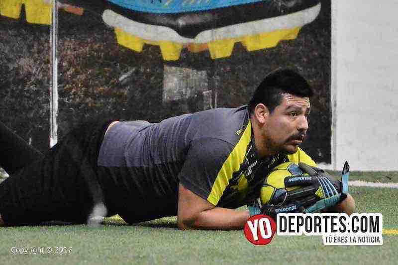 Ixcapuzalco-Deportivo Lobos FC 5 de Mayo Soccer League Chicago-portero