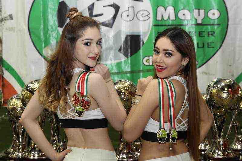 Leslie Cruz y Vanessa García madrinas de las finales en 5 de Mayo Soccer League