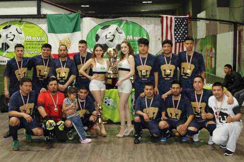 Pumas Floresta campeón de Primera División Especial en 5 de Mayo Soccer League.