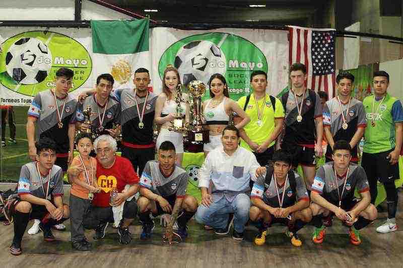 Victory FC campeones de la División Mayor en 5 de Mayo Soccer League.