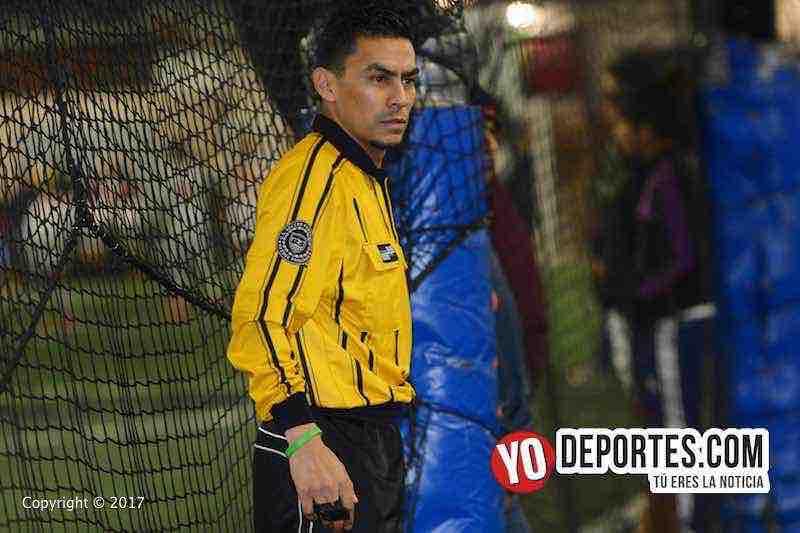 El árbitro guatemalteco obtuvo el gafete de la Federación de Futbol de Estados Unidos, (US Soccer Federation).