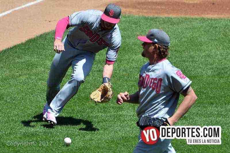 Cory Spangenberg tercera base de los Padres de san Diego
