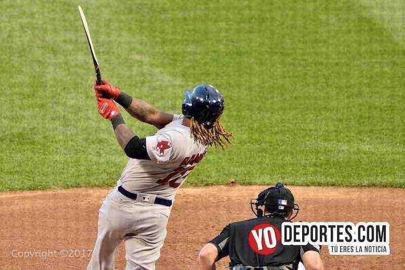 Hanley Ramirez de Boston Red Sox rompe el bate en El Segundo juego contra Medias Blancas