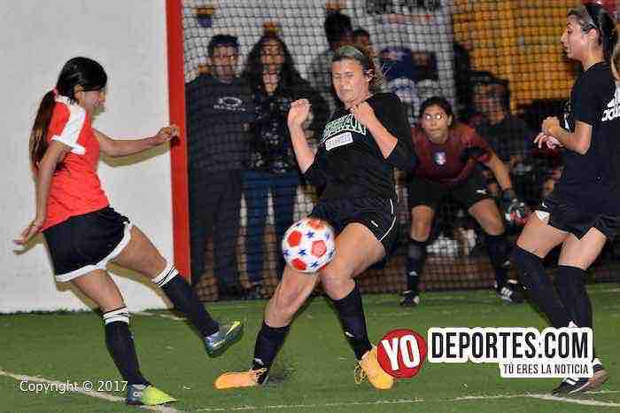 Lady Sharks-Barcelona-Chitown Futbol-final