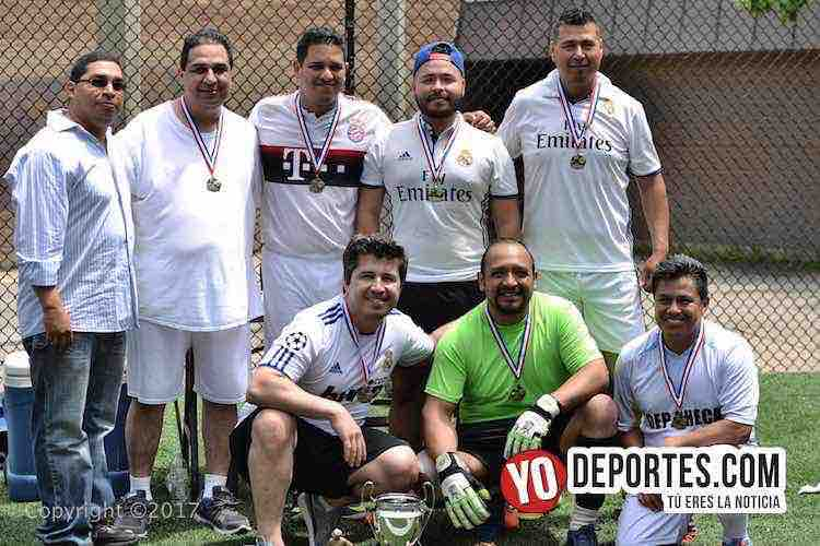 Real Madrid campeon de Champions League-Illinois International Soccer