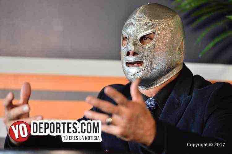 """""""El Santo no va a morir nunca"""": Entrevista con El Hijo del Santo en Chicago"""
