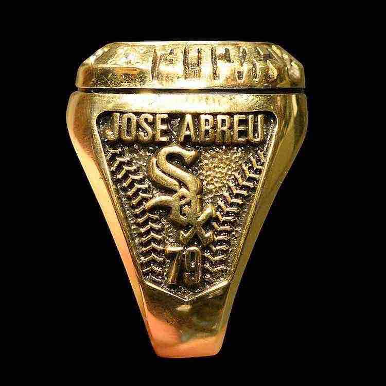 anillo_ciclo_Jose_Abreu