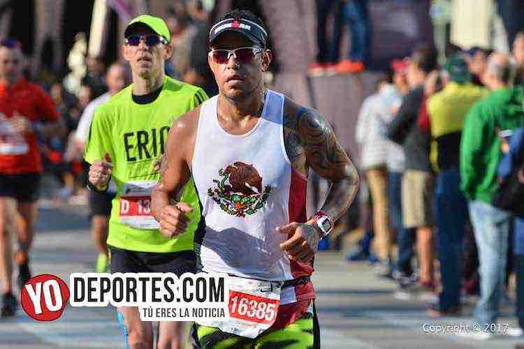 Edgar Nolazco-4-04-12-Chicago Maraton 2017