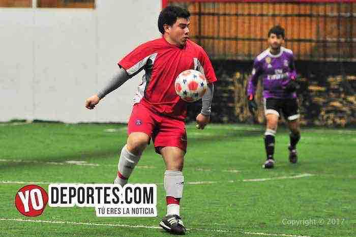 Estrella Blanca-Dragones-Chitown Futbol-indoor futbol en chicago
