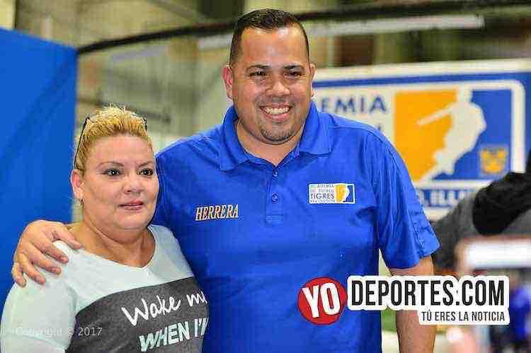 Academia Oficial Club Tigres de Monterrey Chicago-Juan Carlos Herrera
