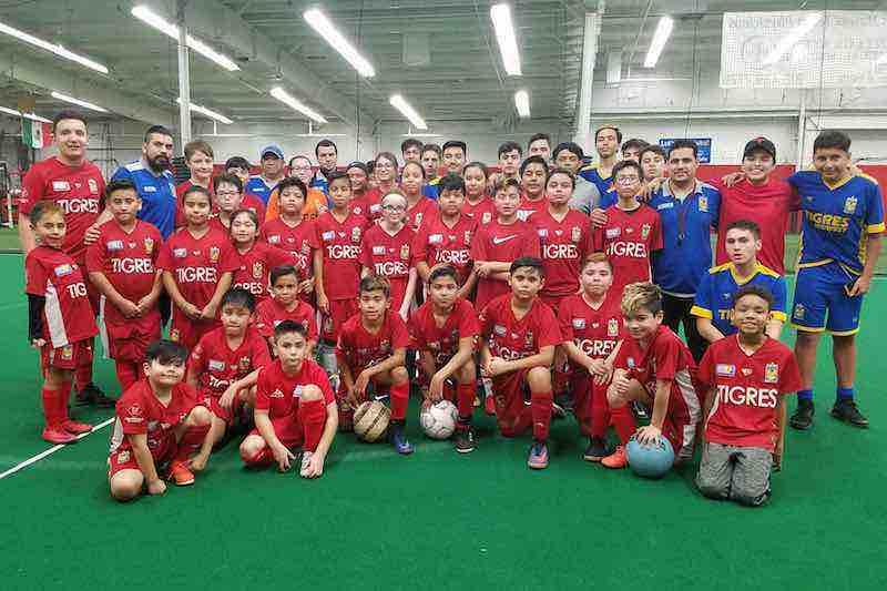 Únete a la Academia de Futbol Tigres Joliet