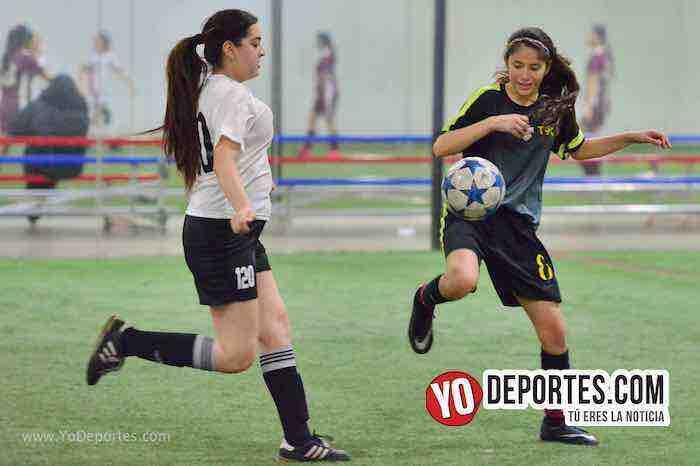 Empatadas Real FC y Scorpions AKD Premier Academy Soccer League-mujeres futbolistas chicago