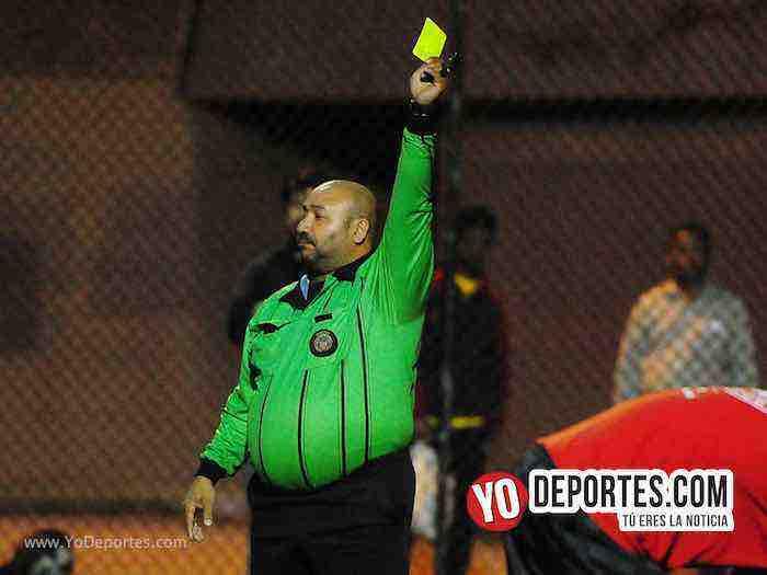 Arbitro Carlos Catracho Aragon-Bayern-Barcelona-Illinois International Soccer League