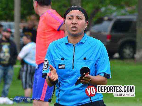 Arbitro Rosalba Luna-Pumas-Sauces-Liga Douglas