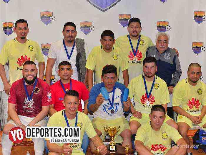 Michoacan-Deportivo El Sauz-Chitown Futbol veteranos jueves
