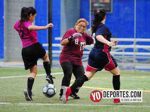 Muchos Nachos-Atletico-AKD Soccer League futbol femenino chicago'