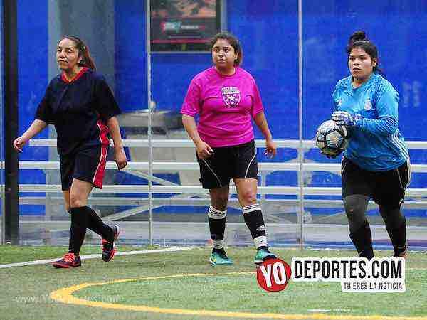 Muchos Nachos-Atletico-AKD Soccer League portera-chicago futbol femenil