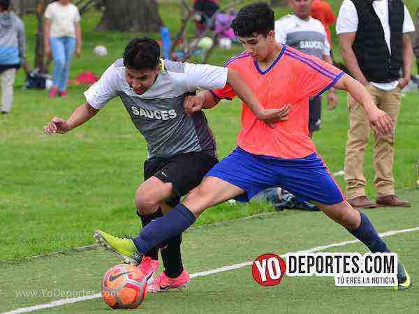 Pumas-Sauces-Liga Douglas park soccer league