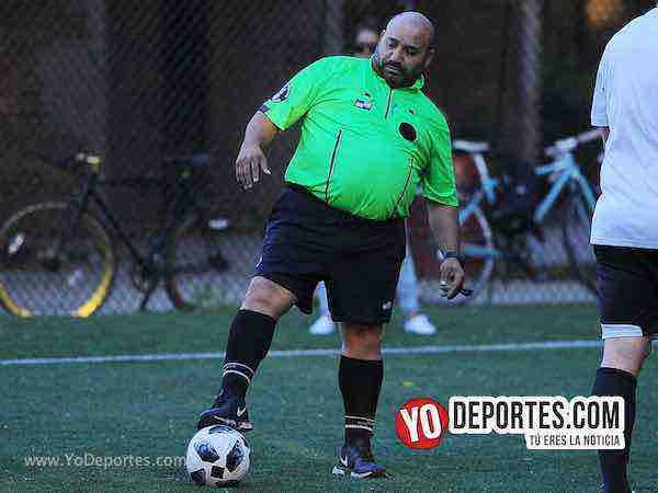 Arbitro Carlos Aragon-Estados Unidos-Espana-Mundialito-Illinois International Soccer League