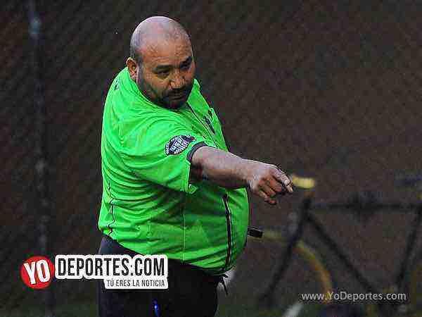 Arbitro Carlos Aragon-Guatemala-Brasil-Mundialito-Illinois International Soccer League