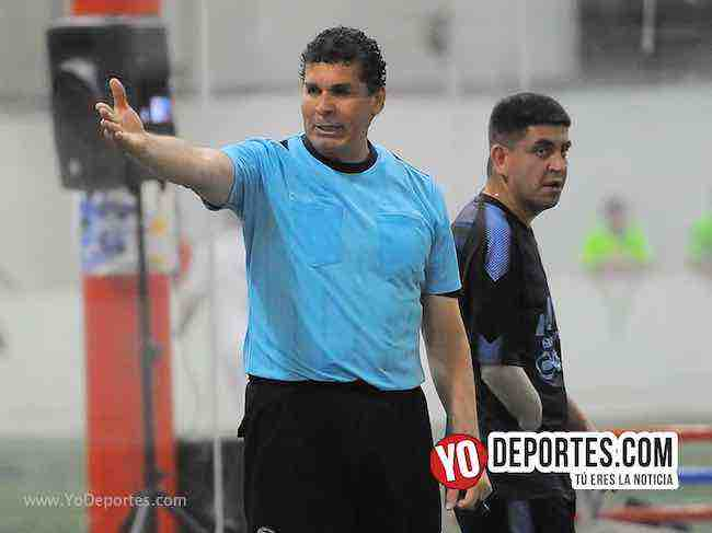 Arbitro Jorge Ruiz-Cuervos-Back of the Yards-Liga Latinoamericana