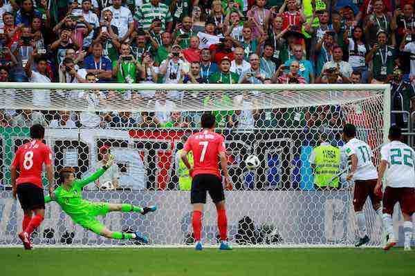 Carlos Vela penal gol Corea Mexico