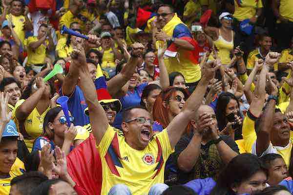 Colombia celebra su clasificación al ritmo del VAR y entre sorbos de café