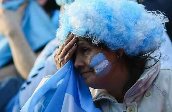 Desilusión total en Buenos Aires tras la debacle Argentina