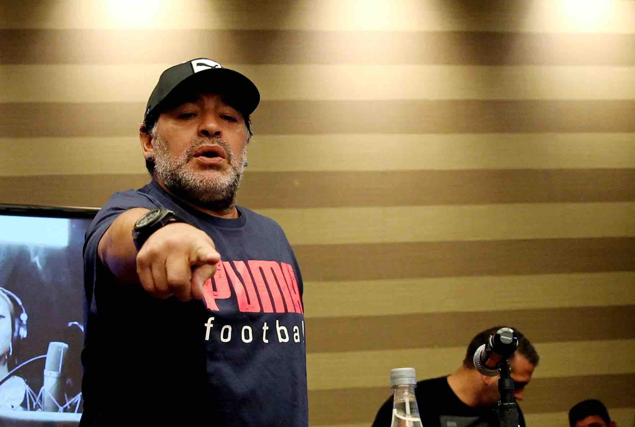 """Maradona dice que """"a los favoritos no les está yendo bien"""" en este Mundial"""