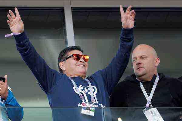 """Maradona elogió a México por """"dejar bien parado al fútbol latinoamericano"""""""